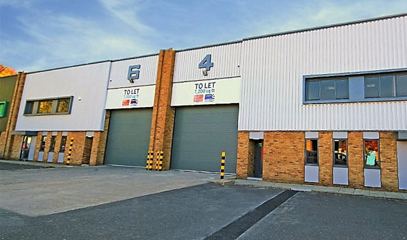 Modern re-furbished warehouse/workshop to let